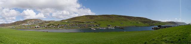 Shetland: Near Scalloway (CC-BY-SA rodtuk)